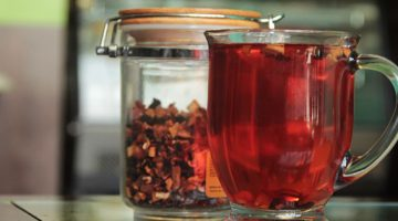 Como o chá mate consegue reduzir o colesterol?